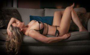Louanne escort in Salem